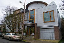220px-Tin_House.jpg